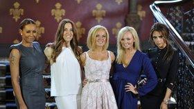 Rozzářené Spice Girls opět spolu! Zamračená Beckham jim to kazí