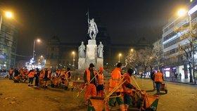 Posilvestrová Praha: Novoroční úklid začne už ve tři ráno. Rychlost prací ovlivní počasí