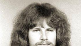 Takhle vypadal Jiří Kajínek, když mu bylo 20 let.