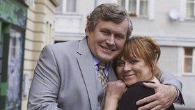 Vypadalo to, že Simona Hložánkovi sedne na lep a stráví s ním romantickou noc, jenže on udělal fatální chybu. Simonina pomsta bude sladká!!!!