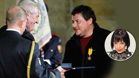Režisér Sedláček převzal Medaili za zásluhy ve flísové minikině