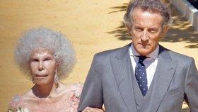 Vévodkyně z Alby se před třemi lety provdala za o 25 let mladšího, třetího manžela