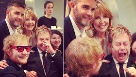 Jedinečná fotografie Eltona Johna bez brýlí a se záchvatem smíchu, který dostal na své vlastní svatbě.
