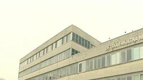 SKANDÁL:Personál nemocnice budil pacienty mejdanem!