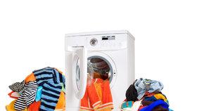 Pokud nechcete zničit drahé věci hned při prvním praní, musíte se naučit číst etikety.