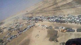 Tisíce civilistů prchají z iráckého města Ramádí před krvežíznivými radikály z Islámského státu.