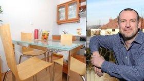 Bydlí tu osm let a zatím to moderátorovi René Hniličkovi (43) stačí, i když jeho nový byt už se staví.