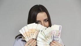 Zájemci o účtenkovou loterii mohou od 1. října zaregistrovat účtenky prostřednictvím formuláře na www.uctenkovka.cz nebo pomocí mobilní aplikace Účtenkovka.