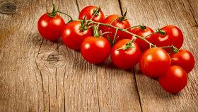 Naučíme vás, jak rychle a jednoduše nakrájet cherry rajčátka.