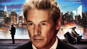 Smrtelné lži (2012). Americký podnikatel, kterého hraje Gere, se snaží prodat obchodní impérium dřív, než se přijde na jeho podvody. Vše se ale pořádně zkomplikuje.