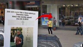 Lidé oplakávají smrt slavného potulného harmonikáře: Odešel kus staré Prahy