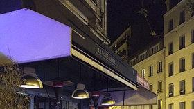Hrozivý obrázek z ulic Paříže. Mrtvá těla, krev, zranění a do toho všudypřítomný strach a panika