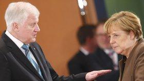 EU jedná s Českem a dalšími o migrantech povýšeně, řekl německý ministr vnitra