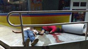 Mladou mexickou rodinu s dítětem nemilosrdně zavraždili gangsteři.