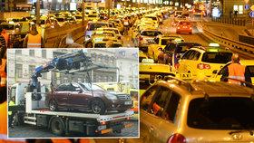 Taxikáři dali návod řidičům: Co dělat, aby vás neodtáhli!