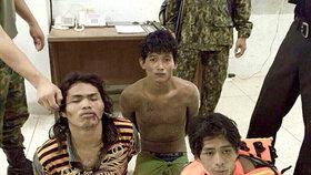 Opilí rybáři na thajské pláži znásilnili dvě turistky: Pod krkem jim při tom drželi nůž