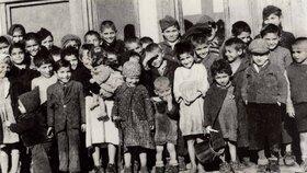 Dobové fotografie protektorátního tábora pro Romy