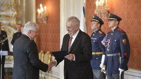 Zeman jmenoval Rusnoka guvernérem ČNB. Ten hned slíbil: Intervence nekončí