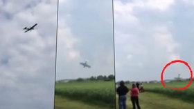 Poslední vteřiny před smrtí: Děsivý pád letadla na nymburském letišti byl zachycen na videu