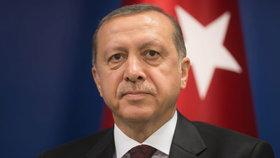 """Podivný puč v Turecku: Stane se Erdogan nyní """"sultánem""""?"""