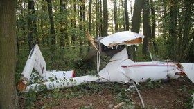 U Dvořiska se zřítilo malé letadlo: Pilot v troskách zahynul