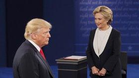 Trumpovým voličům osahávání žen nevadí. Miliardář boduje a dohání Clintonovou