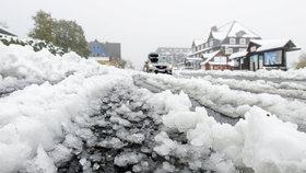 Šály, zimáky a pevné nervy: Zítra nasněží, prochumelí i příští týden
