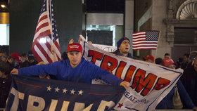 Radost příznivců Trumpa a zděšení u demokratů, tak zatím vypadají volby v USA.