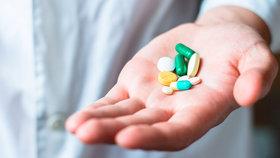 Antibiotika přestávají fungovat, zemřou miliony lidí. Mohou za to i léky proti alergii
