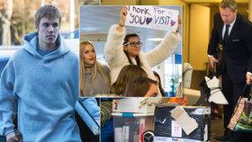 Justin Bieber odletěl: Uspokojil 6 dívek, vyplázl jazyk a s dětskou kytarou opustil Česko