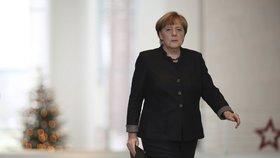 Merkelová jde vypovídat před komisi kvůli skandálu Volkswagenu. Co udělala?