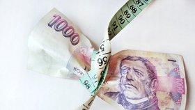 Ženy v Česku se zadlužují více než muži.