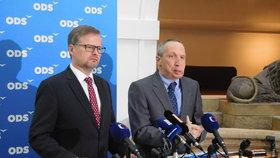 Předseda ODS Petr Fiala a expert ODS na oblast školství Václav Klaus mladší na tiskovce ve Sněmovně