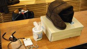 V Praze 7 měli lidé druhé Vánoce. Měnili darované šperky, boty i rotoped