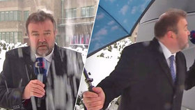Reportér Karas z ČT pěnil vzteky: Najela do něj dodávka, přes zvony neslyšel, zasypal ho sníh