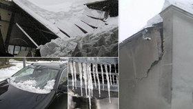Rozbité střechy, auta i potrubí: Mrazy a sníh působí Čechům milionové škody