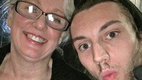 Muž, nebo syn? Žena (50) si našla o 30 let mladšího muže a konečně zažívá vášeň!