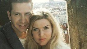 Partner Nikol Štíbrové měl nehodu na kole! Poranil si ruku