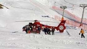 Český lyžař (†44) zahynul v italských Alpách: Ve vysoké rychlosti narazil do skály