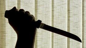 Na Štědrý den pobodal muž z Neratovic vlastního syna: Prý se jen bránil