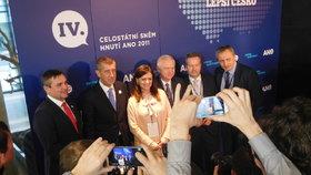 Tiskovka nového předsednictva ANO ve složení (zleva) Vokřál, Babiš, Jermanová, Faltýnek, Brabec a Stropnický