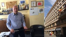 Policisté zasahovali na radnici Prahy 1. Kvůli privatizaci bytů?