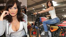 Herečka Daniela Šinkorová se vyprsila na motorce a odtajnila svůj sen