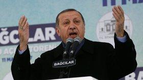 Evropa je fašistická a krutá, bouří turecký prezident. V Německu již není vítán