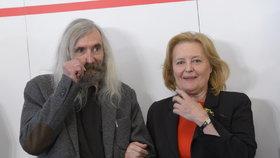 Magda Vášáryová s filozofem Petříčkem během představování týmu poradců prezidentského kandidáta Michala Horáčka