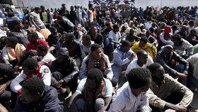 """Rakousko chce výjimku z uprchlických kvót: """"Udělali jsme už dost"""""""