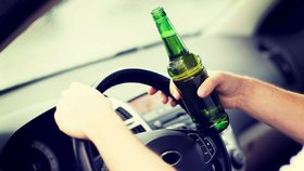 Opilec se řítil Břeclaví v protisměru: Sotva policisté odjeli, sedl do auta zase