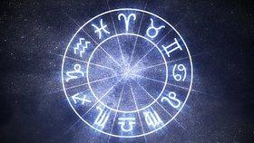 Velký horoskop na červenec: Blížence čekají změny a Vodnářům se naskytnou nové možnosti