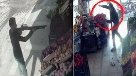 Turecký zelinář zahnal útočníka házením rajčat.