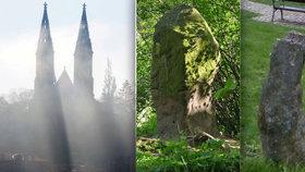Na Vyšehradě stojí dva divné kameny. Proč připomínají lidské postavy?
